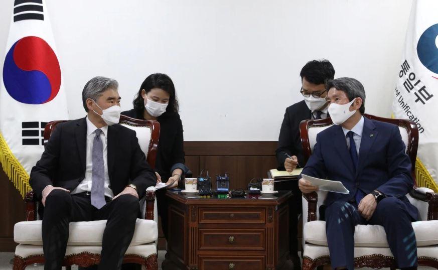 Koreja e Veriut me mesazhe të përziera për bisedimet me Shtetet e Bashkuara