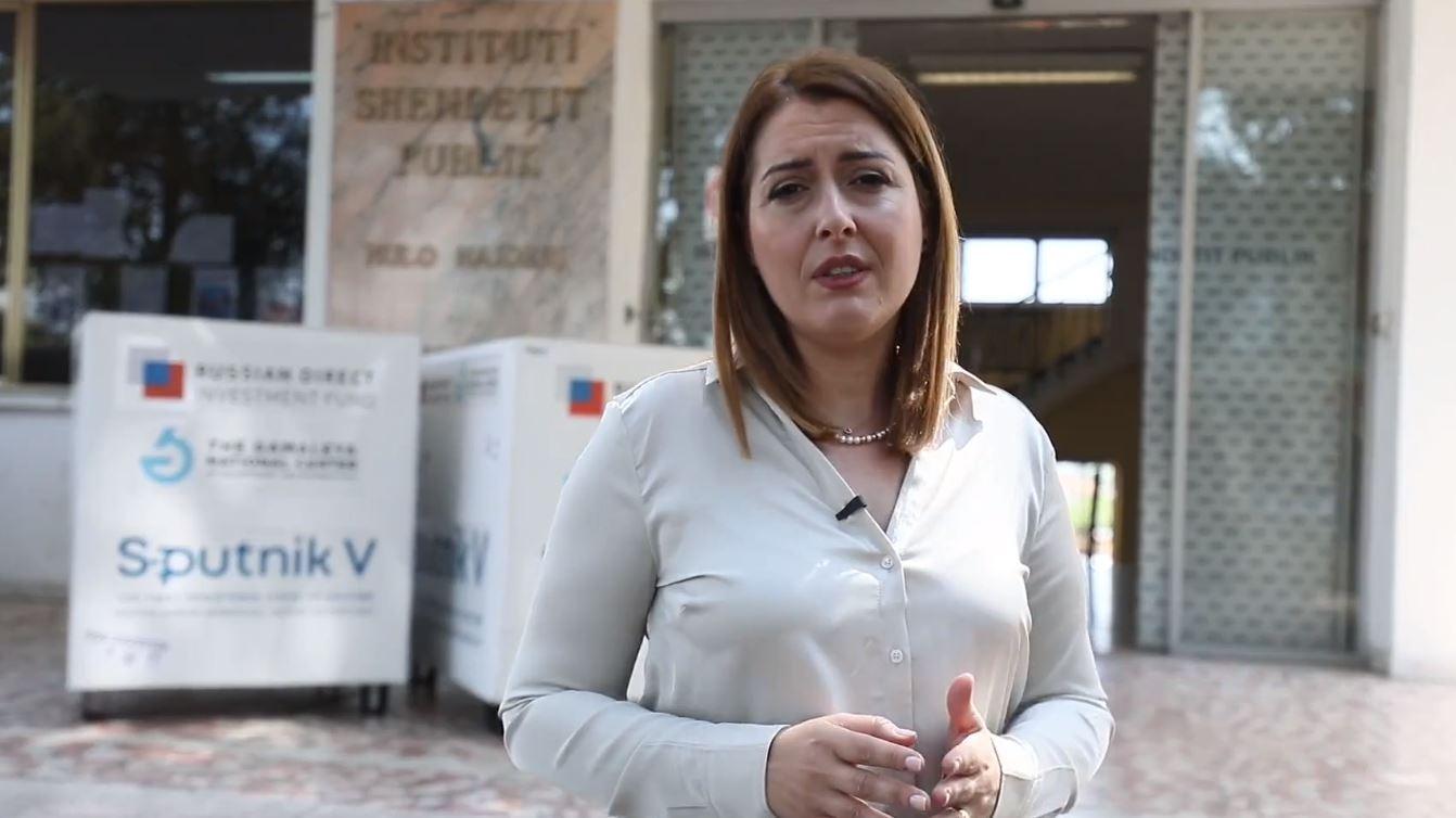Mbërrijnë 25 mijë doza Sputnik, Manastirliu: Jemi gati të ulim moshën e vaksinimit te qytetarët
