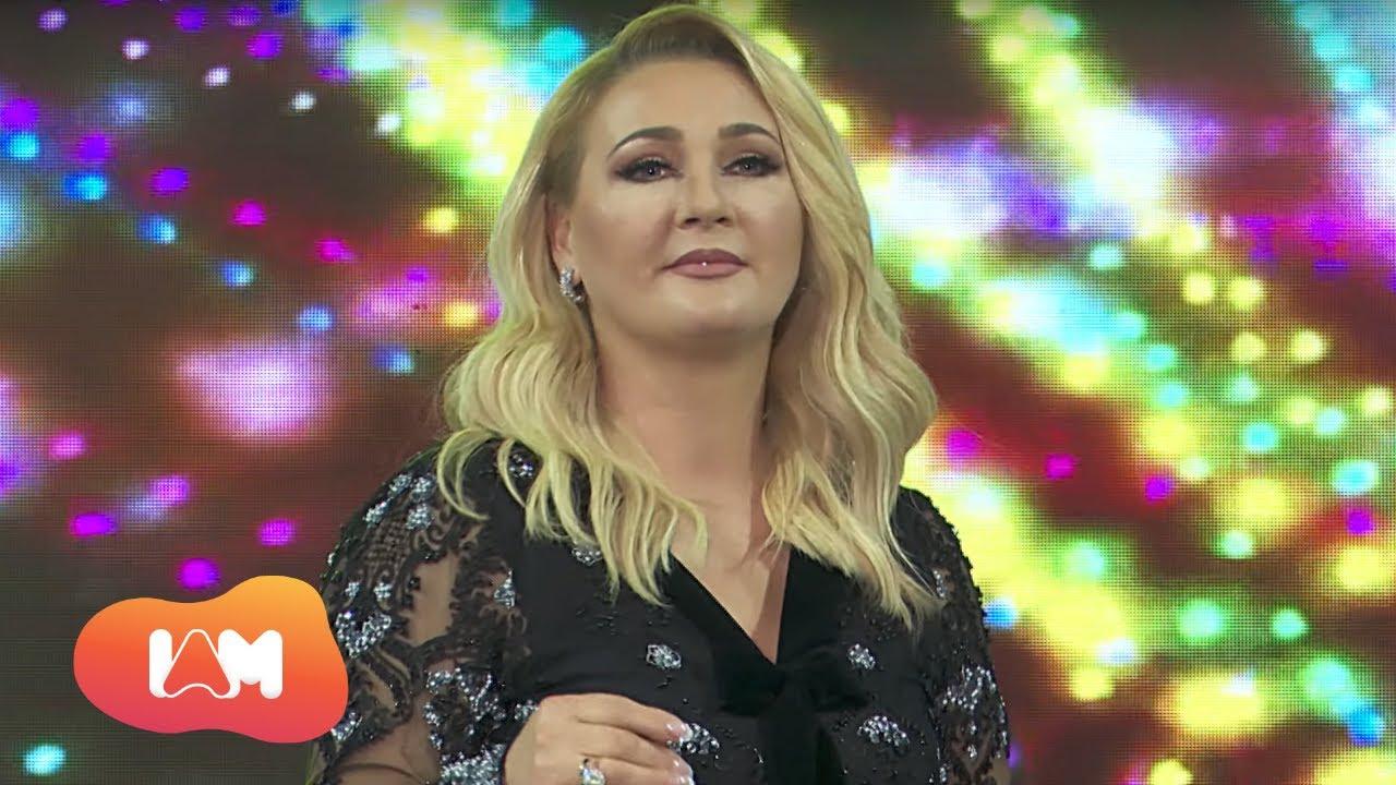 E akuzuan se merrte 9 mijë euro për dasma, këngëtarja shqiptare paralajmëron padi gjyqësore
