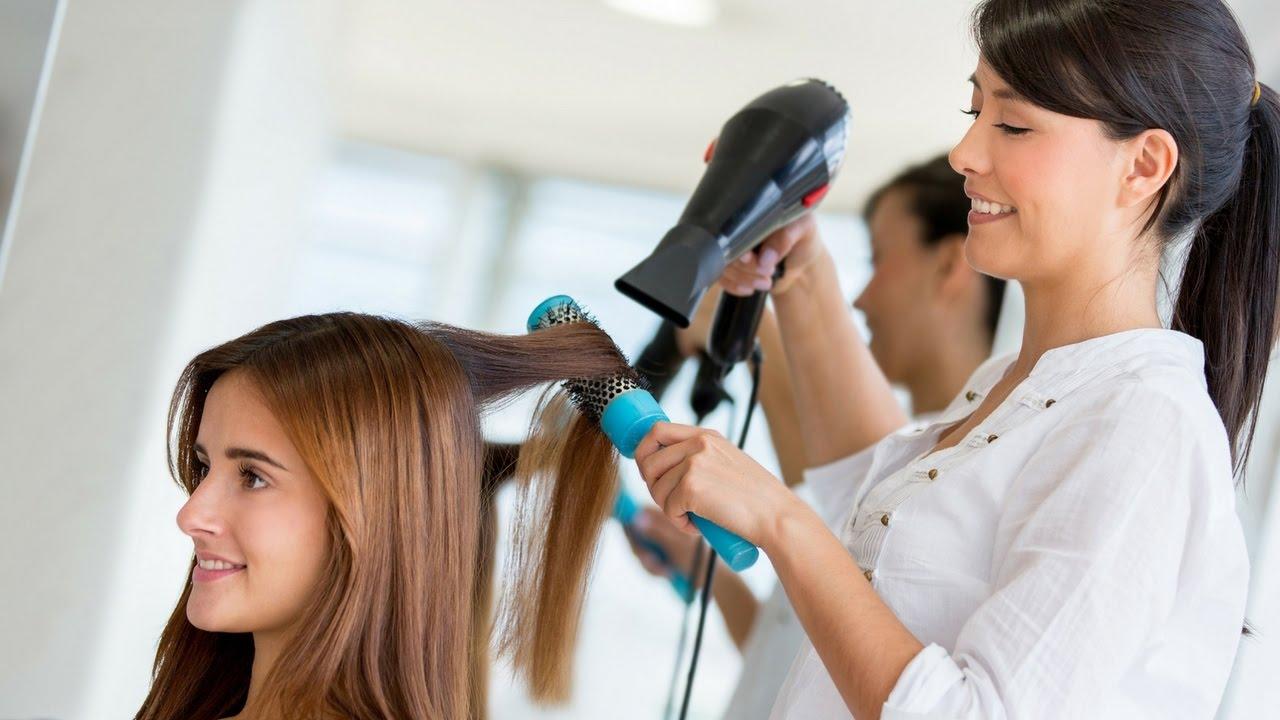 Zakonet e këqija që shkatërrojnë flokët tanë
