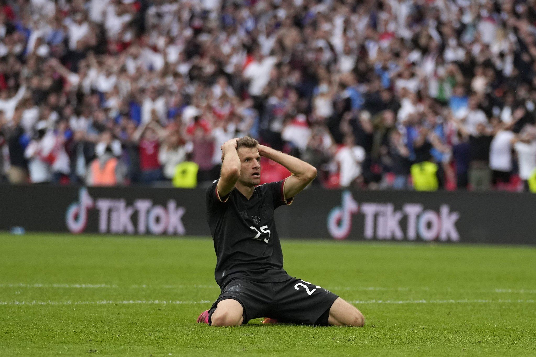 """""""Më dhemb në shpirt, më vjen keq për të gjithë"""", Muller i shkatërruar për rastin e humbur"""