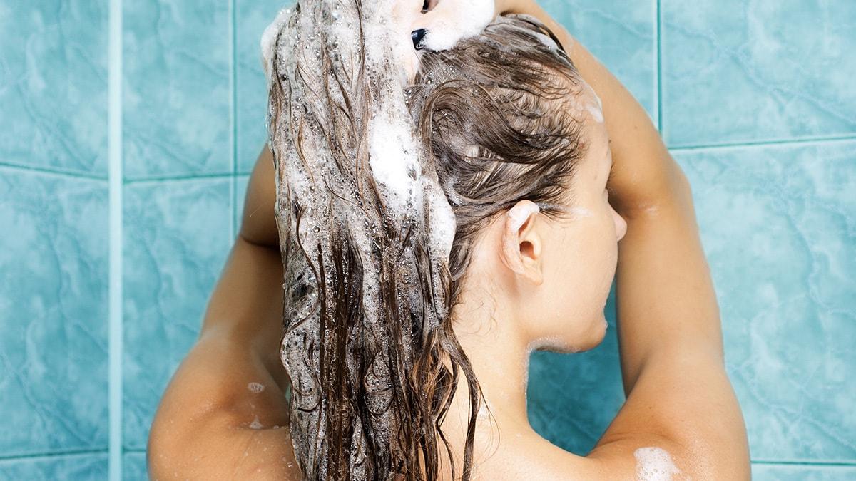Pse duhet të vendosni një lugë sheqer në shampo