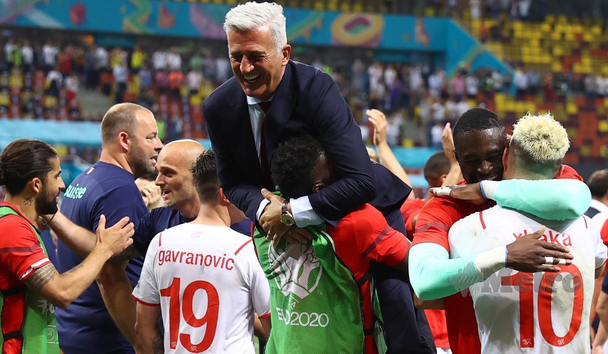 """""""Mungesa e Xhakës dhemb"""", Petkovic: Nuk ka eufori, duam ta mundim Spanjën"""