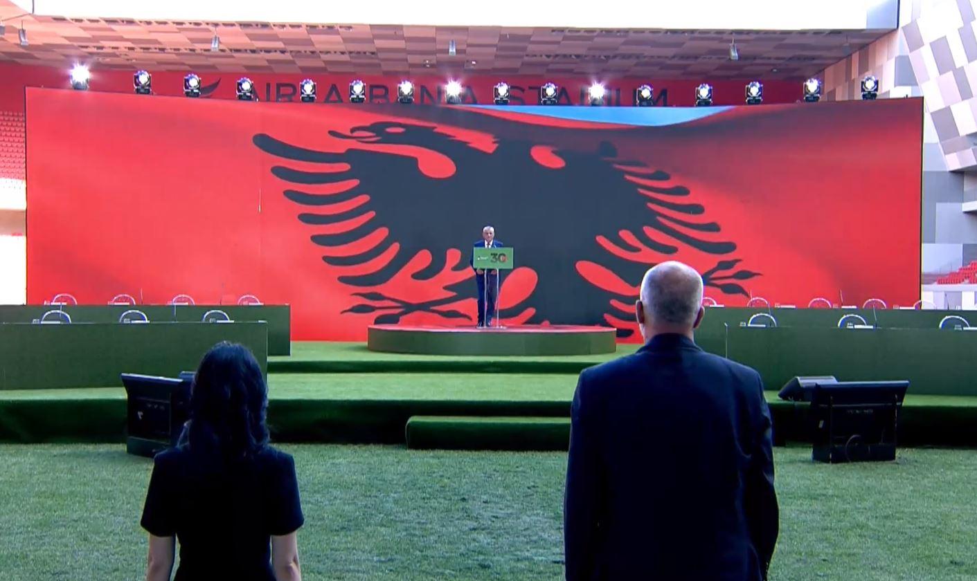 Emocionohet Ruçi, socialistët në këmbë, një minutë heshtje për Finon dhe një falënderim për Metën