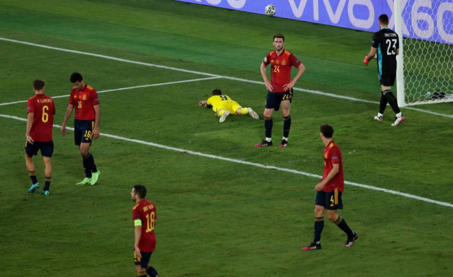 """VIDEO/ Spanja """"shterpë"""" ndaj Suedisë, fati dhe Olsen ndalin """"Furinë e Kuqe"""""""