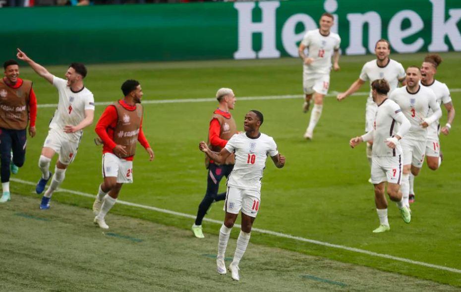 Shkëlqimi në Europian nuk e bind Guardiolan, Sterling drejt largimit