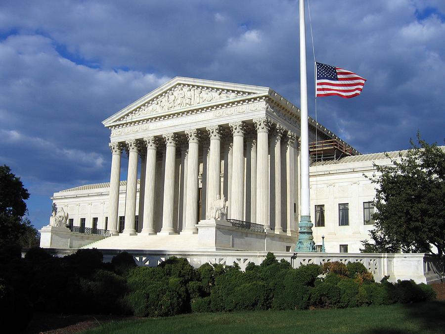 Gjykata e Lartë hedh poshtë padinë ndaj ligjit të kujdesit shëndetësor të ish-Presidentit Obama