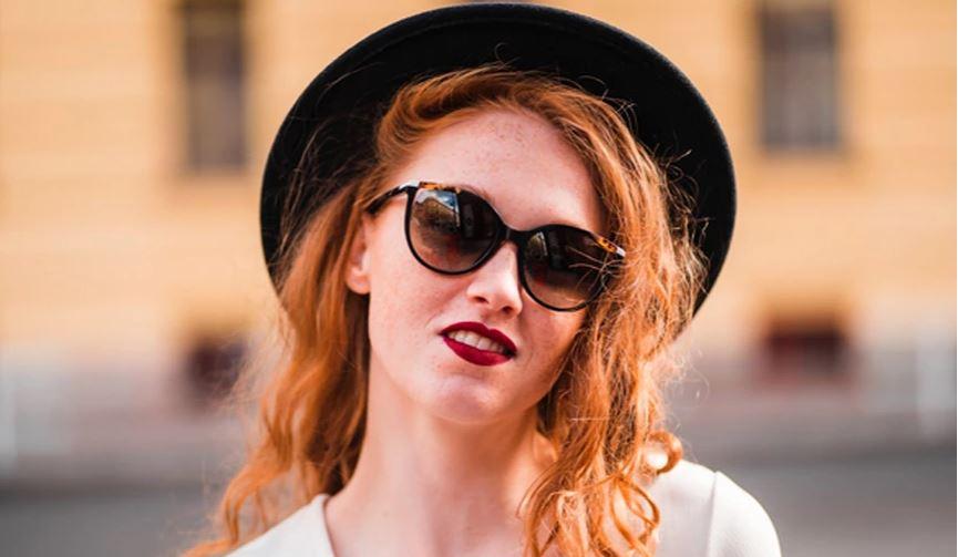 Trendet e syzeve të diellit që do t'i shihni kudo gjatë verës