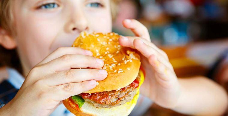 Ushqime të rrezikshme që rrisin peshën, dhjamin dhe perimetrin e belit