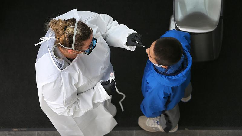 Qeveria britanike paralajmëron qytetarët: Mos u tregoni optimistë, infektimet mund të rriten sërish