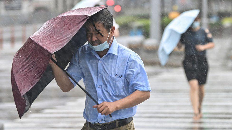 Vetëm pak ditë pas kaosit nga përmbytjet, tajfuni godet Kinën Lindore