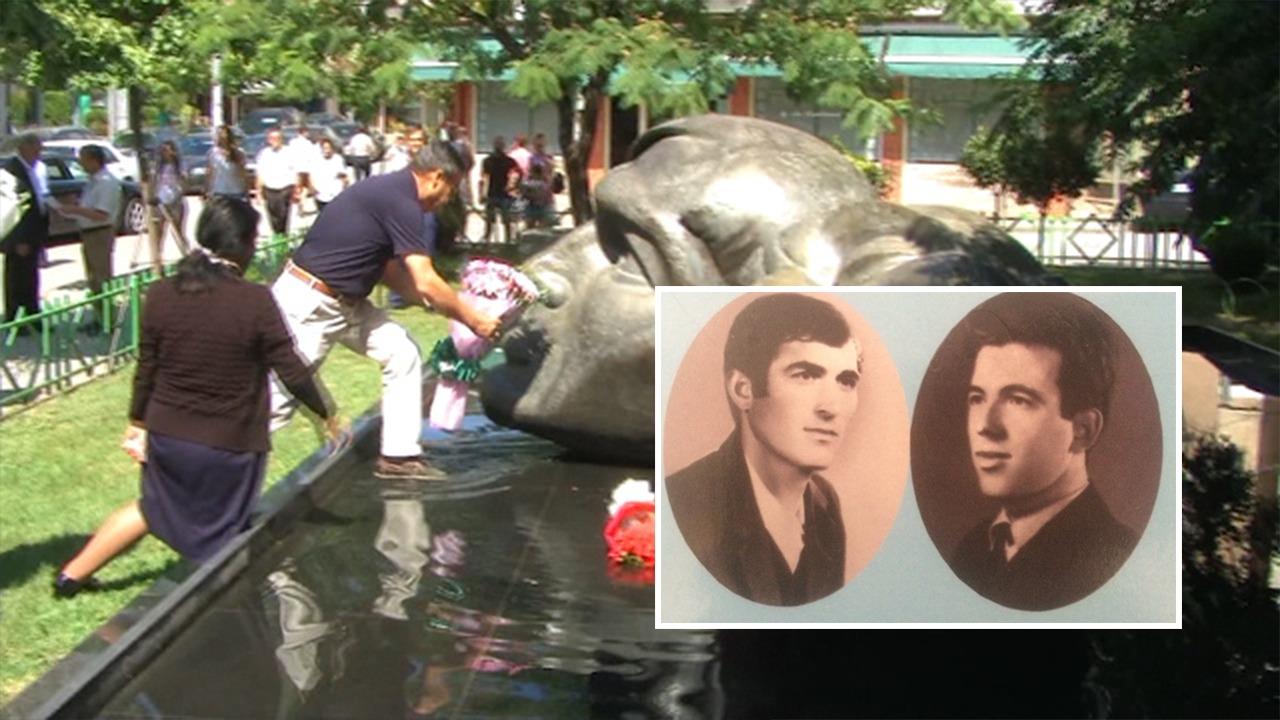 U pushkatuan 44 vite më parë, përkujtohen poetët në Librazhd