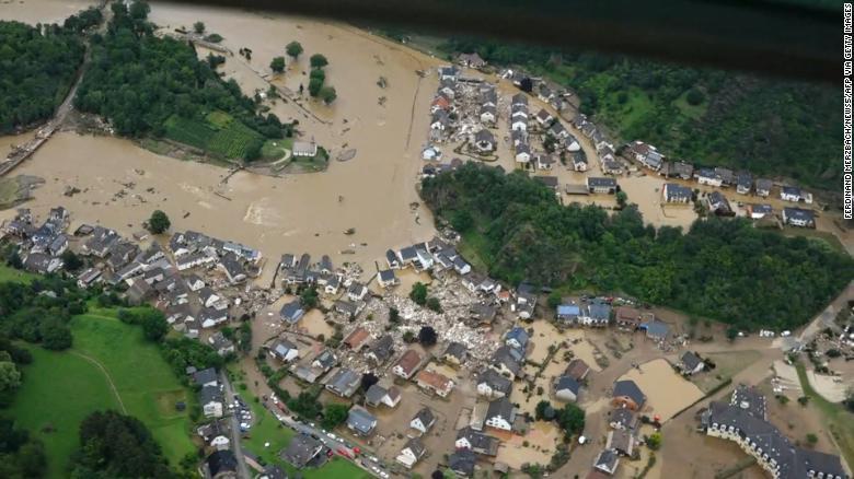 Si po ndikon ndryshimi i klimës te përmbytjet në Europën Perëndimore?