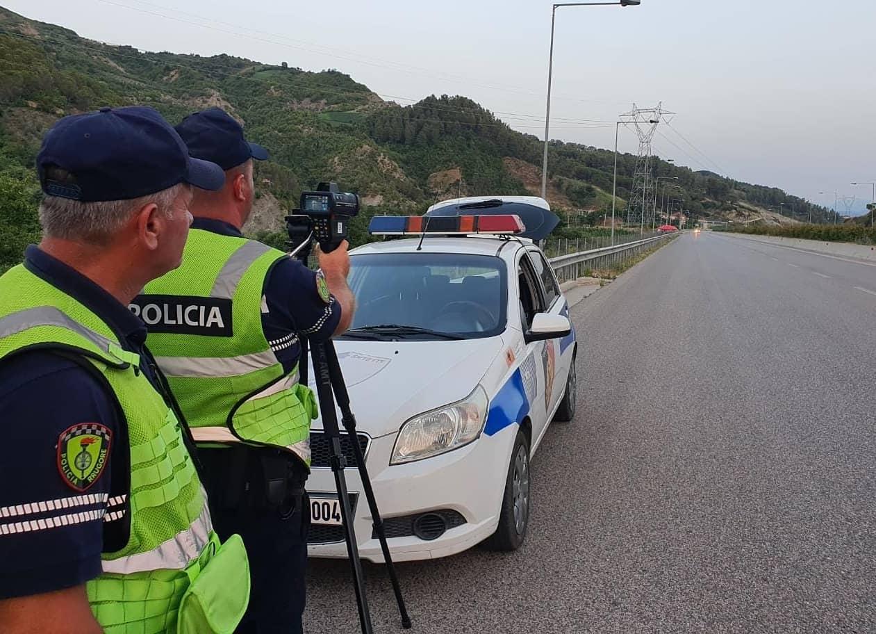 Policia kontrolle cep më cep: Kudo ka radarë dhe kamera, në rrugë edhe makina civile
