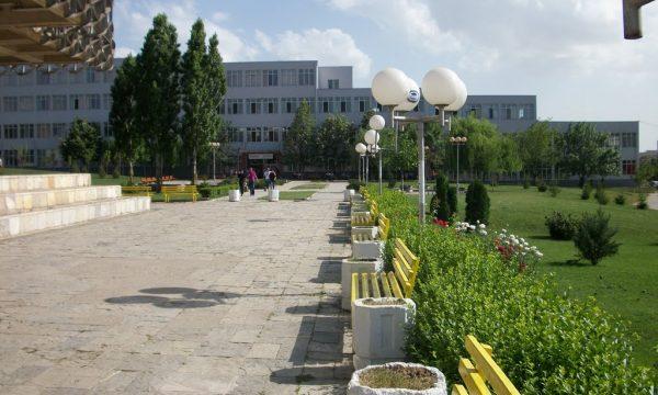 Qeveria e Kosovës po planifikon heqjen e pagesës për studime në universitetet publike