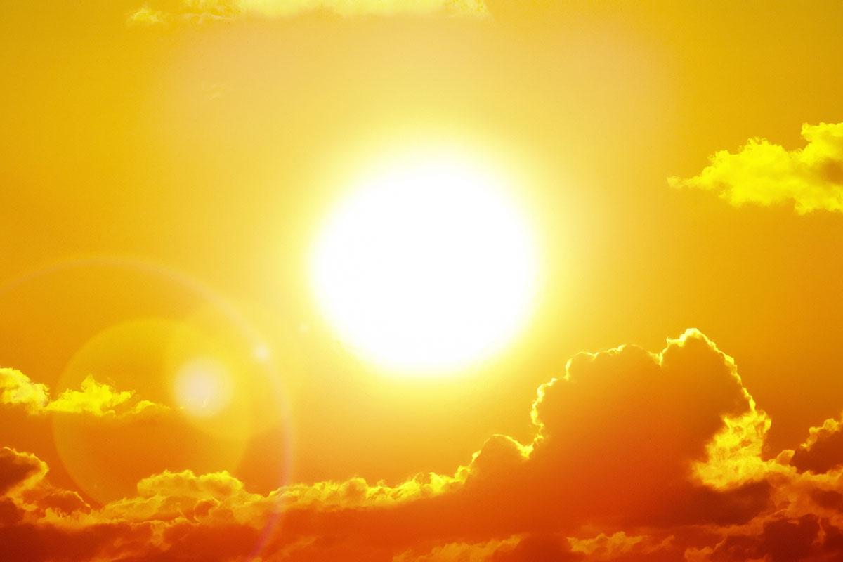 """Vendi nën """"pushtetin"""" e temperaturave të larta, parashikimi i motit për sot"""