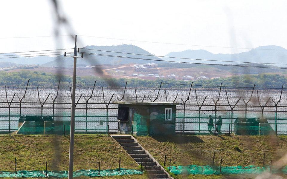 Koreja e Jugut dhe e Veriut rivendosin kanalet e komunikimit