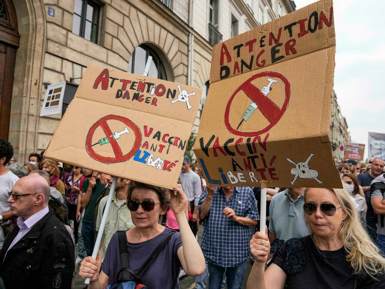 Protesta në Europë kundër certifikatës së gjelbër dhe vaksinimit të detyrueshëm