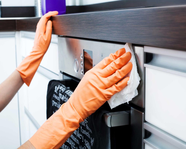 Si të pastroni furrën pa kimikate