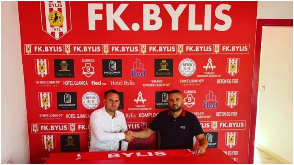 Zyrtare: Bylis prezanton trajnerin e ri, i beson stolin 39-vjeçarit