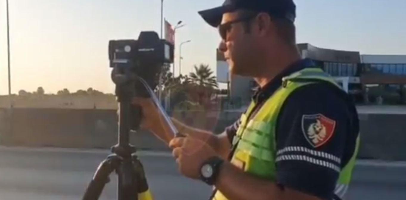 """Policia u bën """"pritë"""" shoferëve në Maminas: Mos """"fluturoni"""", kudo ka kamera, jeta është e shenjtë"""