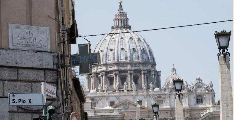 Vatikani nis procesin më të madh për krime financiare
