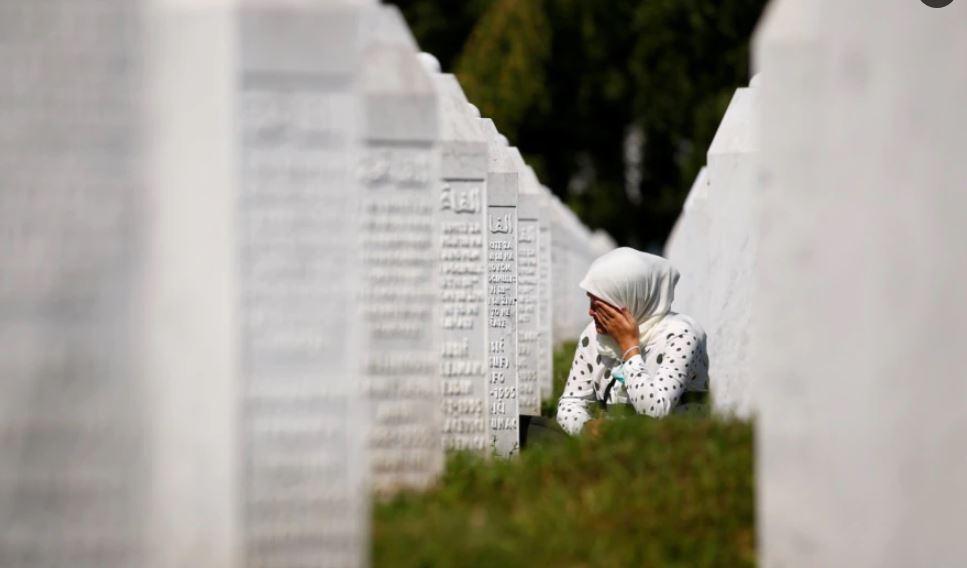Bosnje e Hercegovinë: Nga sot ndalohet mohimi i gjenocidit në Srebrenicë
