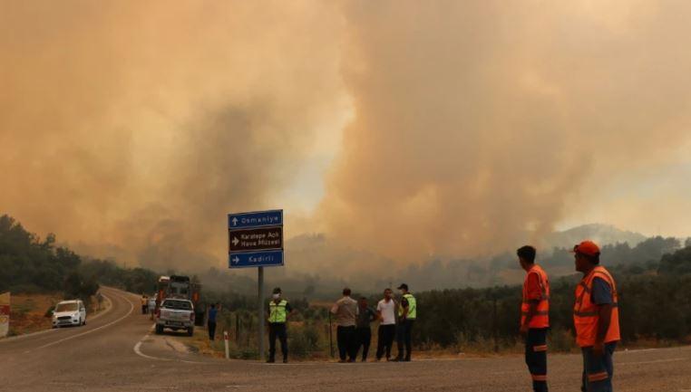 Zjarret në Turqi, shkon në tre numri i viktimave