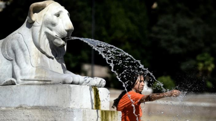 Rekord pas rekordi! I nxehti historik në Itali, temperatura deri në 47 gradë, në veri godet breshëri