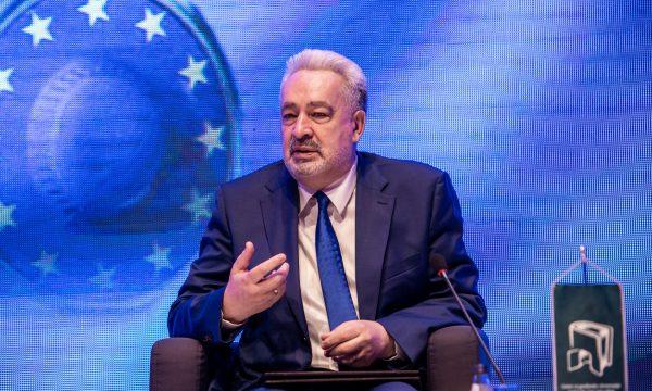 Thellohet kriza politike në Mal të Zi, partia pro-serbe kërkon qeveri dhe kryeministër të ri