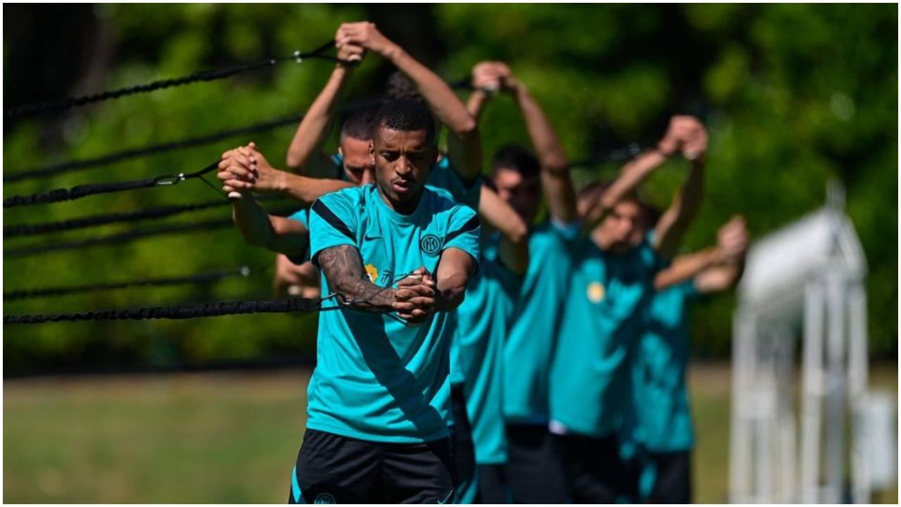 Kampionët e Interit zbresin në fushë, tre lojtarë të rinj pozitivë me COVID