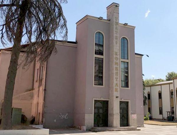 Qeveria i kalon bashkisë së Tiranës truallin e Teatrit Kombëtar