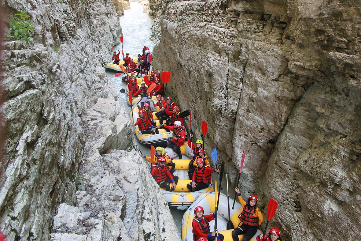 """""""Lumi i fundit i egër në Europë"""", Vjosa mes 15 vendeve ku mund të bëni rafting në Europë"""