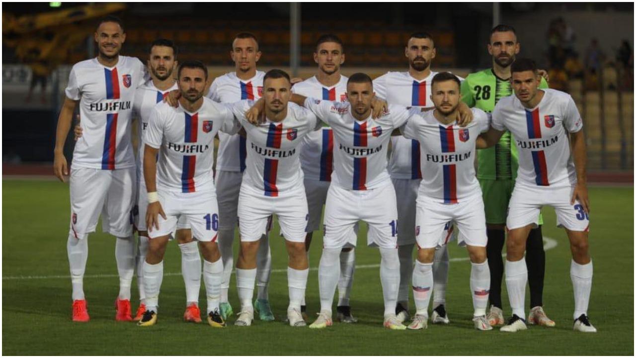 VIDEO/ Problemet e tre lojtarëve të Vllaznisë, morën serum përpara ndeshjes