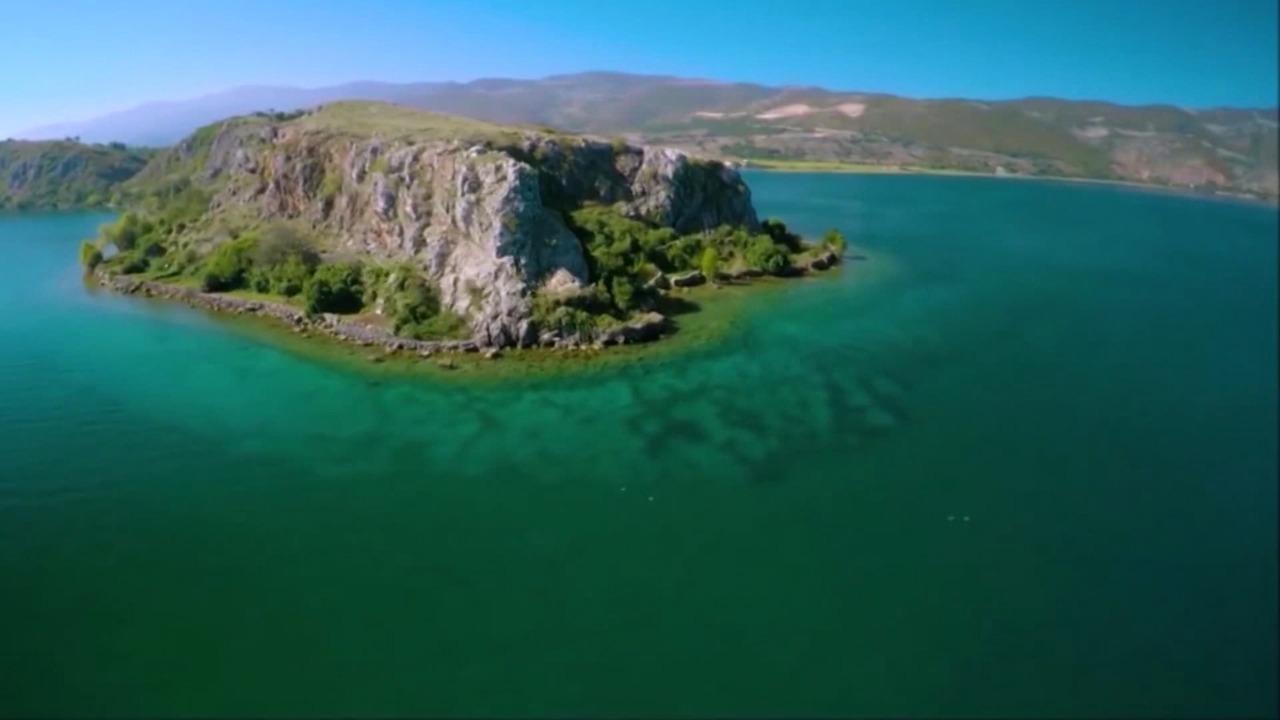 Liqeni i Ohrit rrezikon statusin e mbrojtjes nga UNESCO