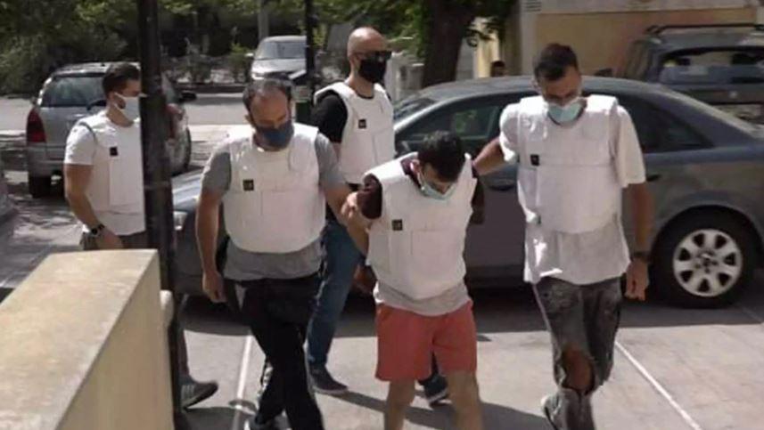 I preu fytin gruas me thikë, vrasësi shqiptar del para gjykatës në Athinë