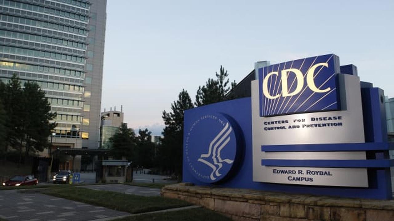 CDC, rishikim udhëzimesh për mbajtjen e maskës në SHBA