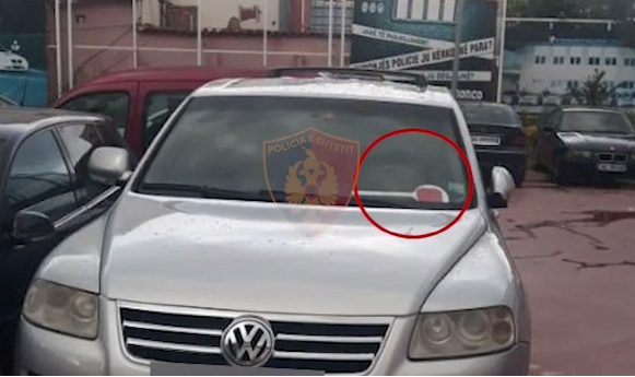 """Vendosën """"tabelat e shtetit"""" në automjet, disa të proceduar në Tiranë"""