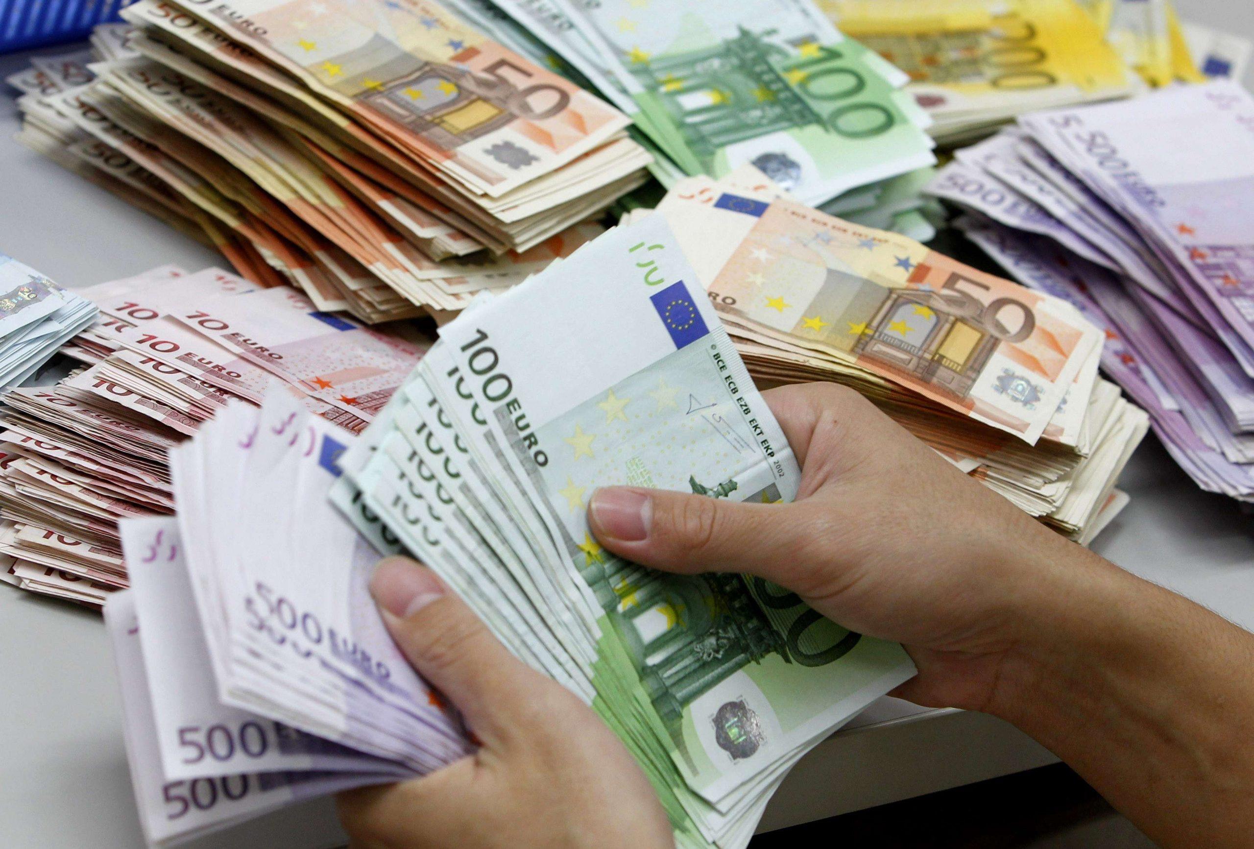 Gruaja fiton 33 milion euro në lotari dhe harron biletën në çantë