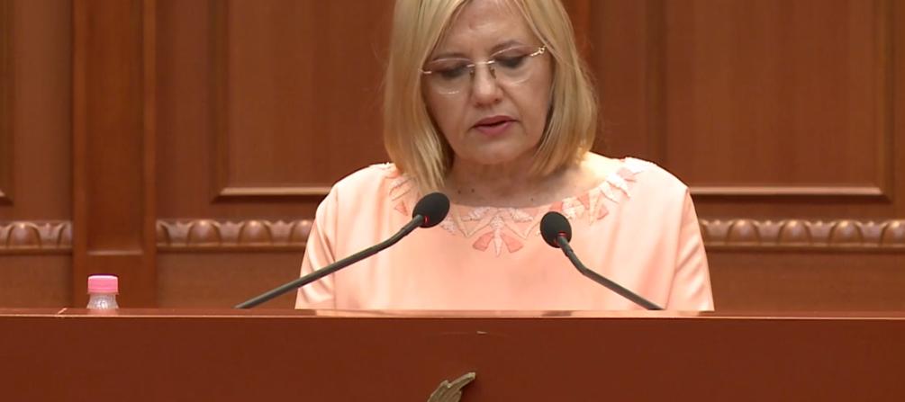 Emocionohet Vasilika Hysi, fjalim lamtumire në Kuvend: Falenderim të veçantë për Ruçin dhe Ramën