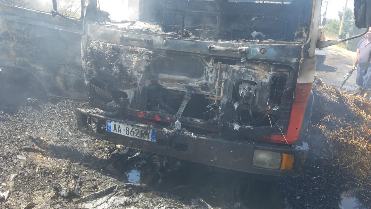 Vatra të mëdha zjarri në Ishëm, digjet një automjet i zjarrfikëses
