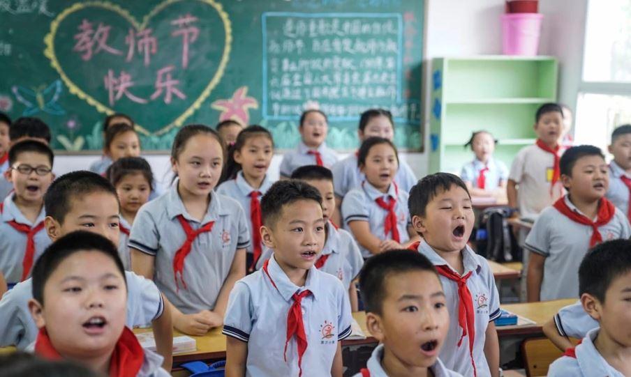 Kinë: Prindërit e pavaksinuar nuk mund t'i dërgojnë fëmijët në shkollë