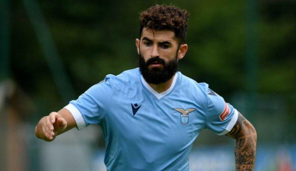 VIDEO/ Ultrasit e Lazio të tërbuar? Elseid Hysaj u përgjigjet me gol në miqësore