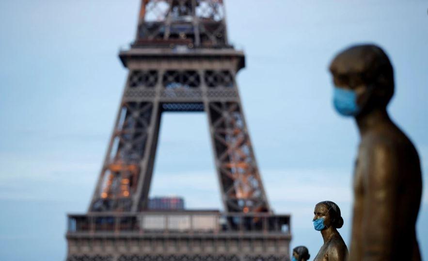 Kulla Eiffel rihapet pas mbylljes rekorde