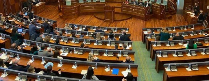Ministrja shqiptare bëhet nënë për herë të tretë, zbulohet gjinia dhe emri i bebit