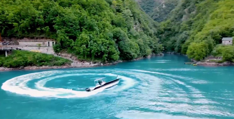 Rama publikon videon: Me parajsën Lumit të Shalës, ju uroj një fundjavë të mbarë