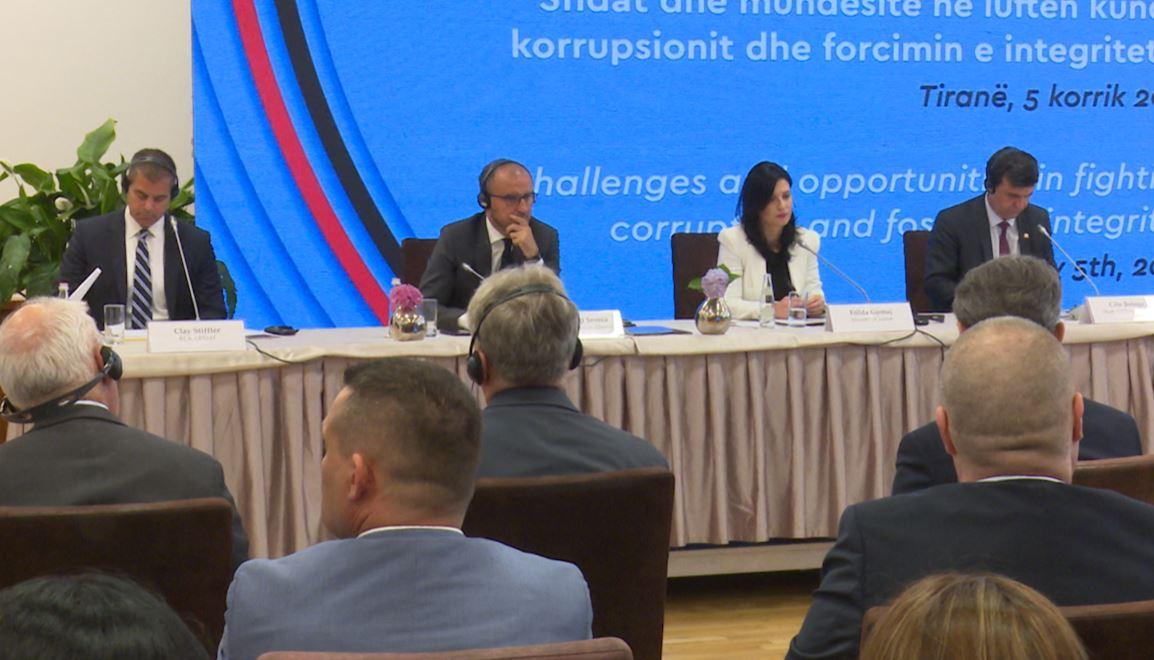 SHBA: Presim më shumë rezultate në luftën kundër korrupsionit në Shqipëri