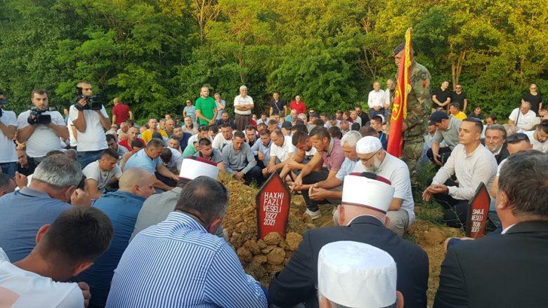Përcillet babai i Kadri Veselit, ish-kryeparlamentari nuk mundi të ishte i pranishëm