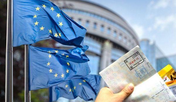 Shtetet ku shqiptarët e Kosovës mund të udhëtojnë pa viza