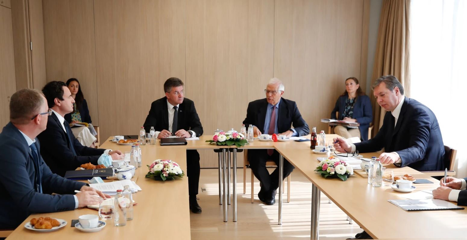 Kush dhe çfarë humb nga dështimi i dialogut Kosovë-Serbi?